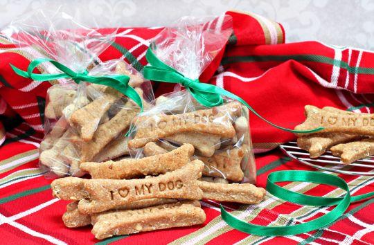 Dolci Di Natale Fatti In Casa Da Regalare.I Biscotti Di Natale Da Regalare Al Vostro Cane