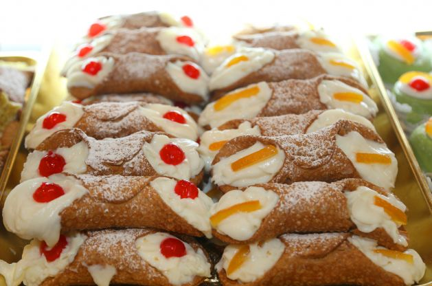 I cannoli preparati  come un vero pasticciere siciliano