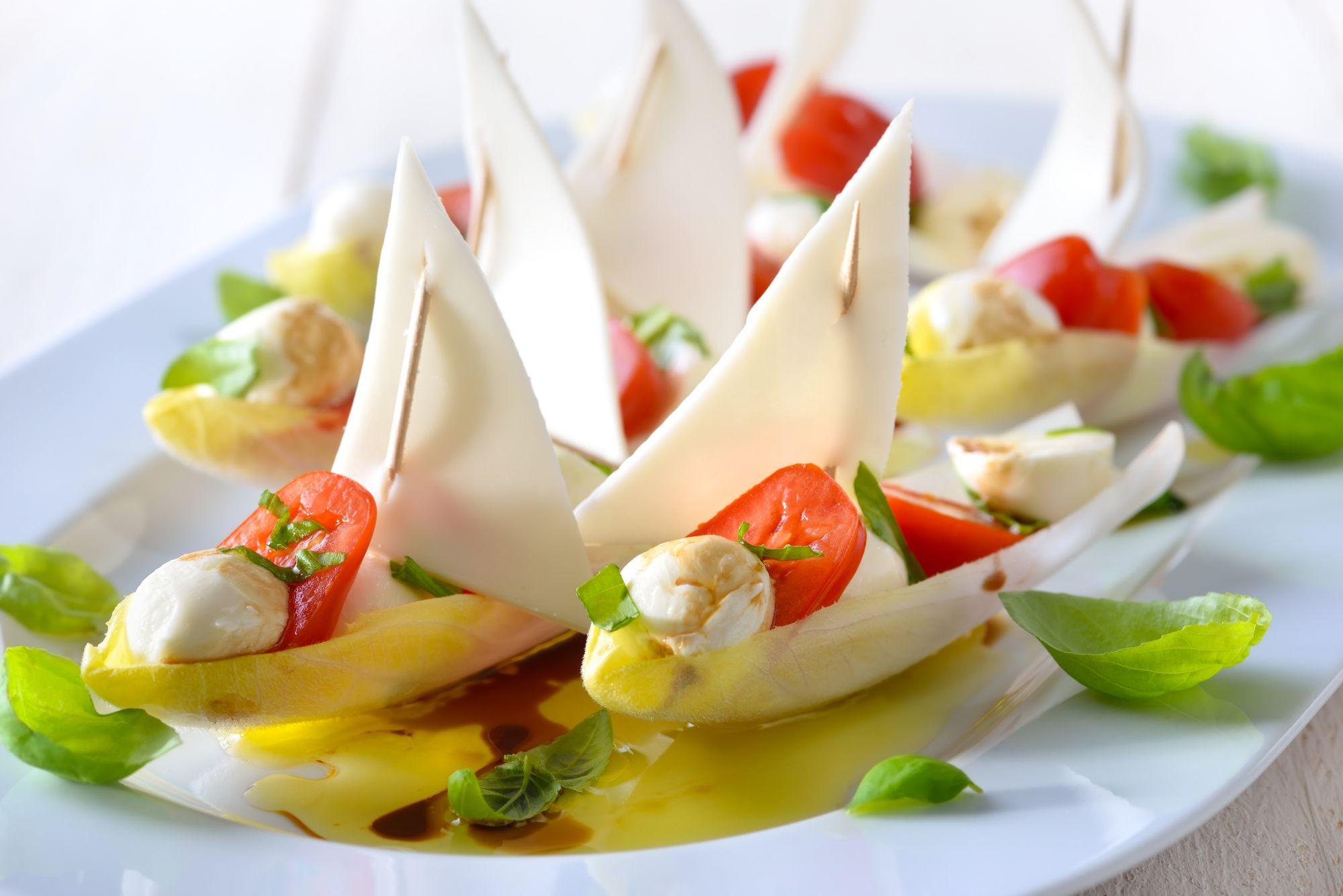 Indivia belga con parmigiano reggiano e aceto balsamico for Idee per aperitivo a casa