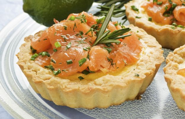 Pranzo Di Compleanno A Base Di Pesce : 10 sfiziosissimi antipasti di pesce per una cena perfetta!