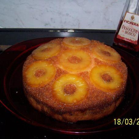 Torta all\'ananas con bagna al rum - (3/5)