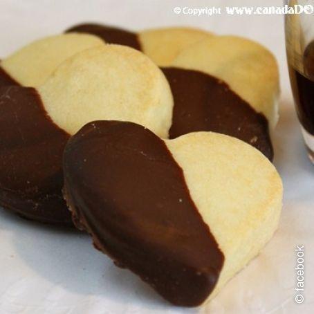 Biscotti bagnati nel cioccolato - (3/5)