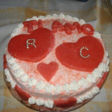 Torta di San Valentino 1 Foto. Torta alla panna