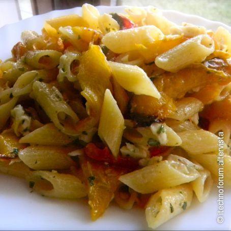 Ricetta di pasta con peperoni e ricotta