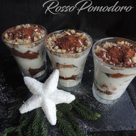 Ricetta Tiramisu Con Yogurt E Panna.Bicchierini Di Tiramisu Con Yogurt Greco E Panna Freddi Dolciaria 4 5