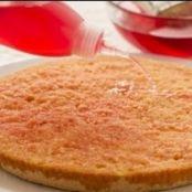 https://www.tribugolosa.com/media/img_11153_come-fare-la-bagna-per-torte_crop.jpg/tsp/bagna-alcolica-per-torte.jpg