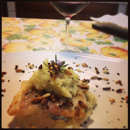 Pesce persico lardellato su letto di purea di patate 3 1 5 - Pesce su letto di patate ...