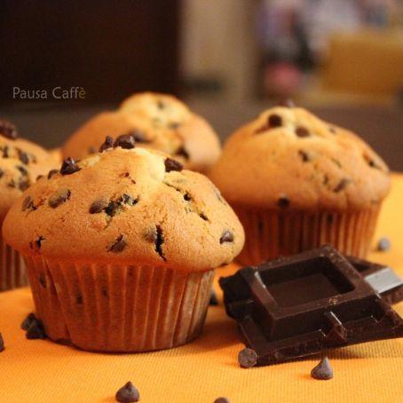 Ricetta Muffin Con Gocce Di Cioccolato.Muffin Soffici Con Gocce Di Cioccolato 3 6 5