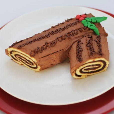 Tronchetto Di Natale Al Cioccolato Fondente.Tronchetto Di Natale Alla Nutella E Cioccolato Fondente 4 5