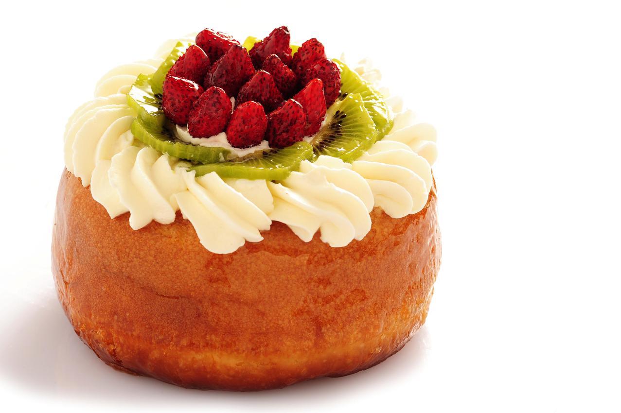 Bab con panna e frutta fresca 2 9 5 - Differenza panna da cucina e panna fresca ...