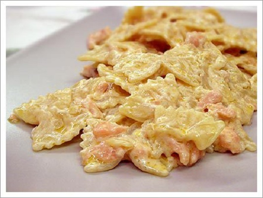 Ricetta pasta con la panna al salmone