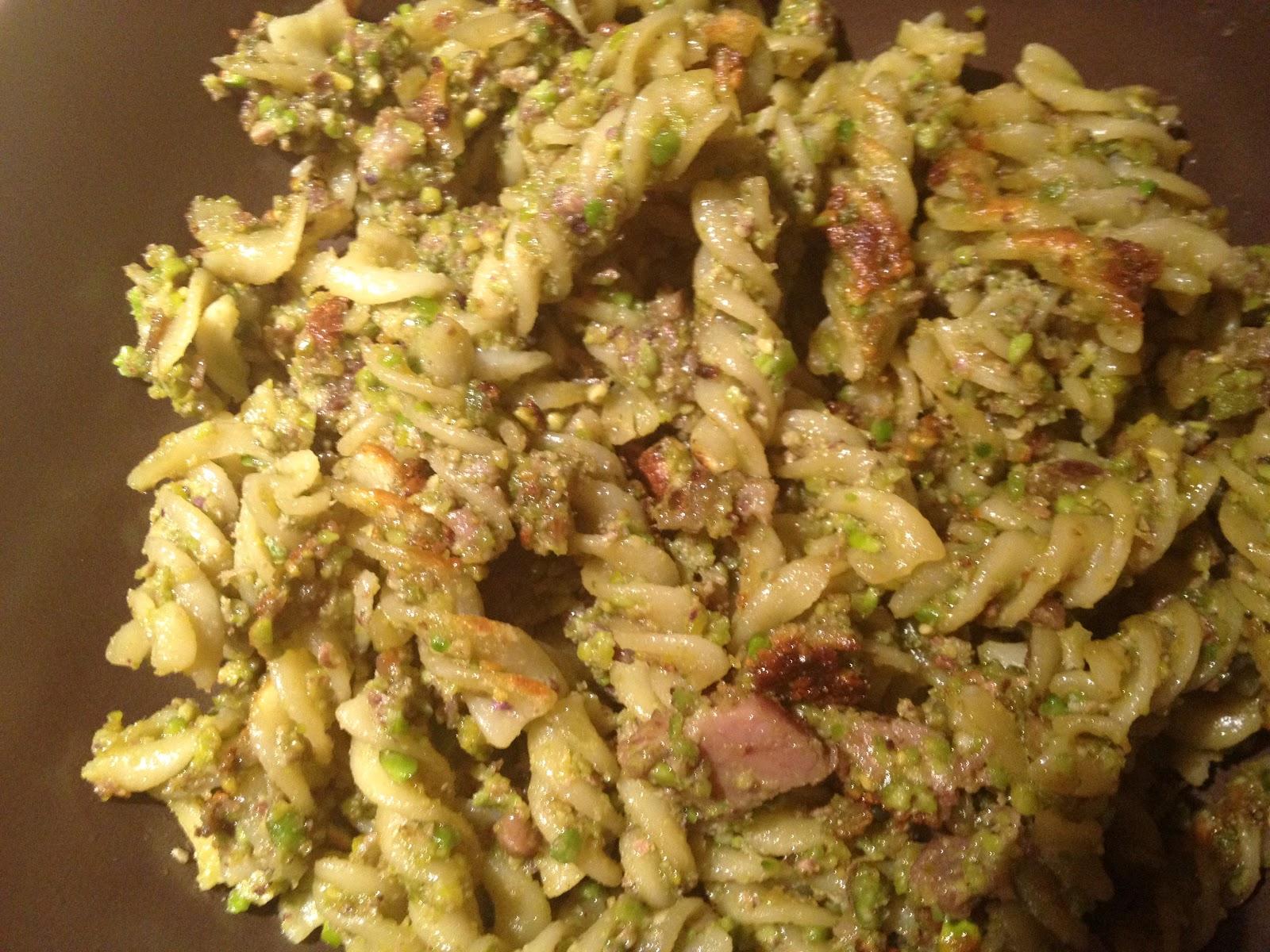 Ricetta pasta con salmone e pistacchi