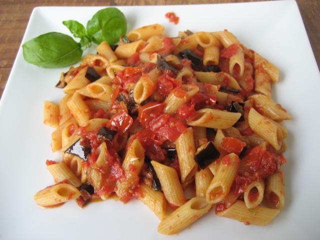 Ricette sfiziose di pasta con le melanzane for Ricette con la pasta