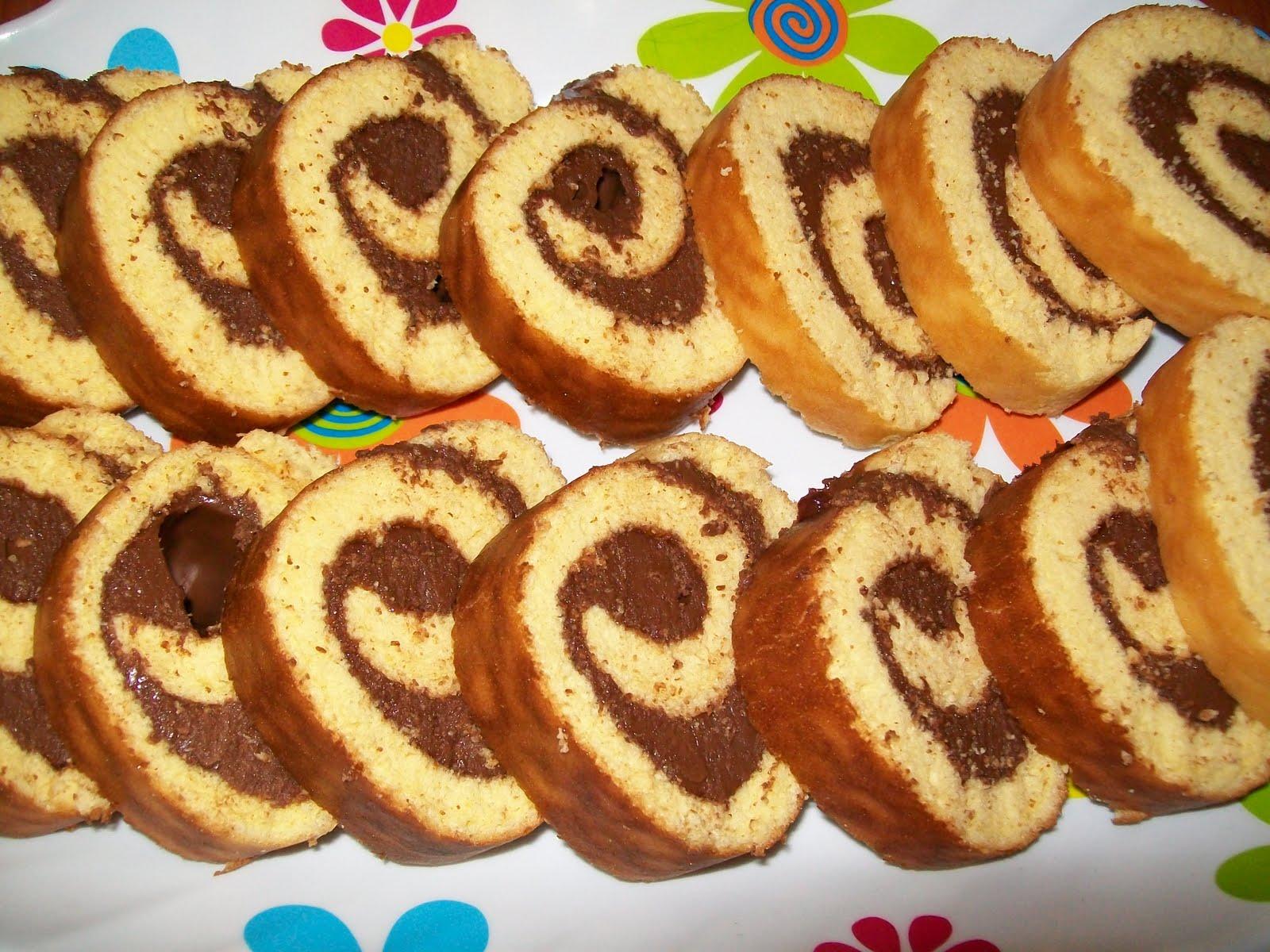 Ricetta Pan Di Spagna Rotolo.Rotolo Di Pan Di Spagna Con Nutella 3 3 5