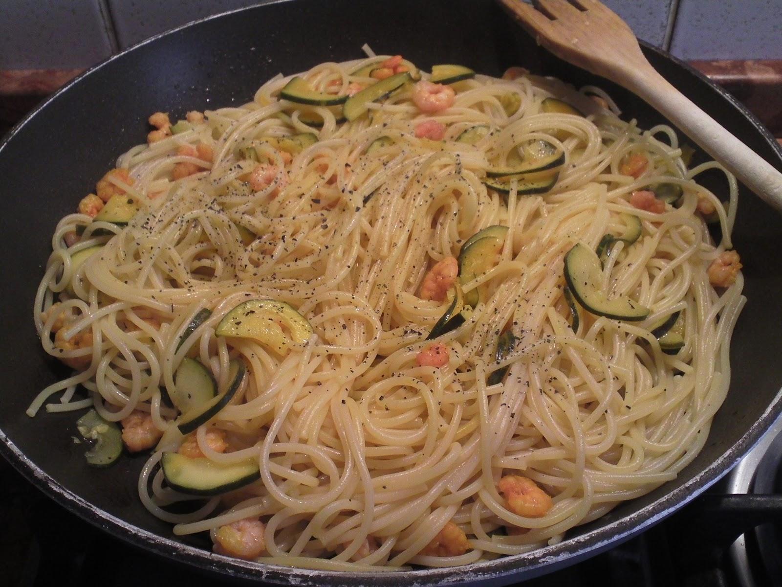 Pasta con le verdure e gamberetti
